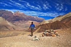Passeio na montanha do circuito de Annapurna, Nepal Foto de Stock