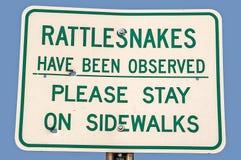 Passen Sie auf! Klapperschlangen in den Ödländern Stockfotografie