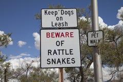 Passen Sie auf! Klapperschlangen in den Ödländern Lizenzfreie Stockfotografie