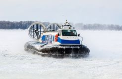 Free Passenger Hovercraft On The Ice Of The Frozen Volga River In Win Royalty Free Stock Image - 109121016