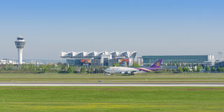 Passenger turbojet airliner Boeing-747 of Thai Airways International Royalty Free Stock Images