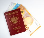 Passeport étranger de Russe et 50 euros photographie stock