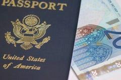 Passeport aux euro Photo stock