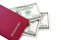 Passeport avec des dollars US Images libres de droits