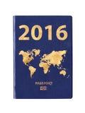 Passeport 2016 avec une carte du monde sur la couverture Photos libres de droits