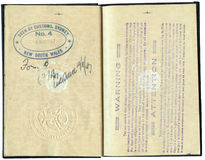 Passeport canadien 1947 - avec l'avertissement de course Photo libre de droits