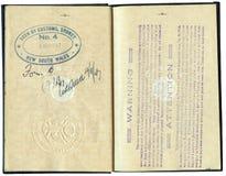 Passeport canadien 1947 - avec l'avertissement de course Photo libre de droits