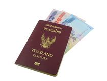 Passeport de la Thaïlande avec l'argent thaïlandais Image libre de droits