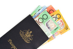Passeport et argent australiens Photo stock