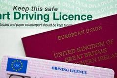 Passeport et plaque d'immatriculation Photos libres de droits