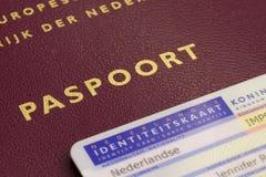 Passeport néerlandais et carte d'identification Image libre de droits