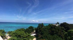 Passer le jour à la plage Jamaïque photo stock