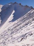 Passerande för högt berg för Khardung La 5359 M A S L i den Ladakh regionen Indien arkivfoton