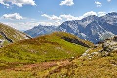 Passerande för sänkaAgnel- berg i de Cottian fjällängarna fotografering för bildbyråer