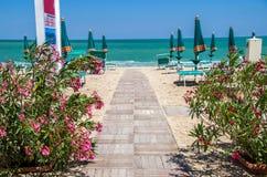Passerella della spiaggia in Italia Fotografia Stock