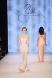 Passerella di alte mode di Rasit Bagzibagli in Mercedes-Benz Fashion Week I Immagine Stock