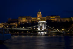 Passerelle à chaînes à Budapest photo stock
