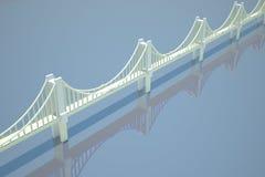 Passerelle à chaînes au-dessus de fleuve bleu - retrait Photo libre de droits