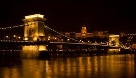 Passerelle à chaînes de Széchenyi à Budapest, Hongrie Image libre de droits