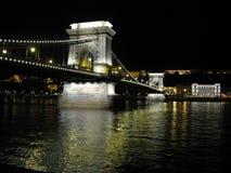 Passerelle à chaînes de Szechenyi au-dessus du Danube Photos libres de droits
