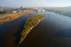 Passerelle au-dessus de fleuve Photos libres de droits