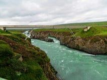Passerelle au-dessus de fleuve Images stock