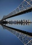 Passerelle avec l'horizon de la Nouvelle-Orléans Photos libres de droits