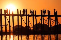 Passerelle d'U Bein Image stock