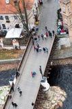 Passerelle dans Cesky Krumlov Photo libre de droits