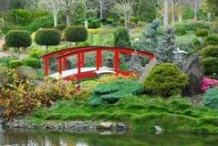 Passerelle dans le jardin Image stock
