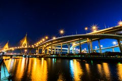 Passerelle de Bhumibol Photos stock