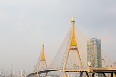 Passerelle de Bhumibol en Thaïlande Image stock