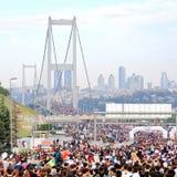Passerelle de Bosporus sur le marathon Photographie stock libre de droits