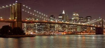 Passerelle de Brooklyn et New York City Photographie stock