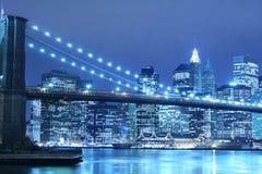 Passerelle de Brooklyn la nuit Image libre de droits