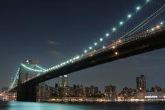 Passerelle de Brooklyn la nuit Photo libre de droits
