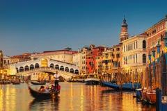 Passerelle de canal grand et de Rialto, Venise Photographie stock libre de droits