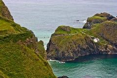 Passerelle de corde de l'Irlande du Nord Carrick-a-Rede Photos libres de droits
