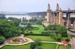 Passerelle de fleuve de Nanjing le Yang Tsé Kiang Photographie stock libre de droits