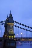 Passerelle de Hammersmith le matin Photos libres de droits