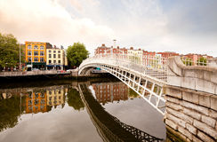 Passerelle de Hapenny, Dublin Irlande Image stock