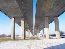 Passerelle de l'autoroute A1 à travers la rivière la Vistule Photographie stock libre de droits