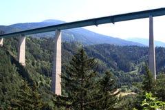 Passerelle de l'Europe en Autriche, une partie de l'A13 Photographie stock libre de droits