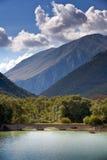 Passerelle de lac Barrea vieille Images libres de droits