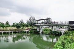 Passerelle de lever de soleil, voie d'eau de Punggol, Singapour Images stock
