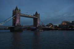 Passerelle de Londres Images libres de droits