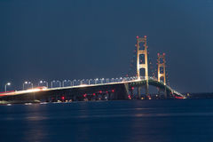 Passerelle de Mackinac la nuit Photos libres de droits