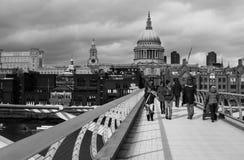 Passerelle de millénium, Londres Photos libres de droits