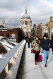 Passerelle de millénium, Londres Images stock