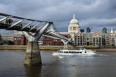 Passerelle de millénium, Londres Photographie stock libre de droits